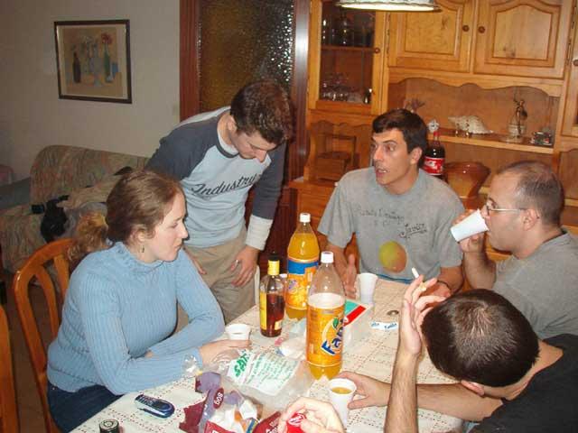 Reunión en el comedor II