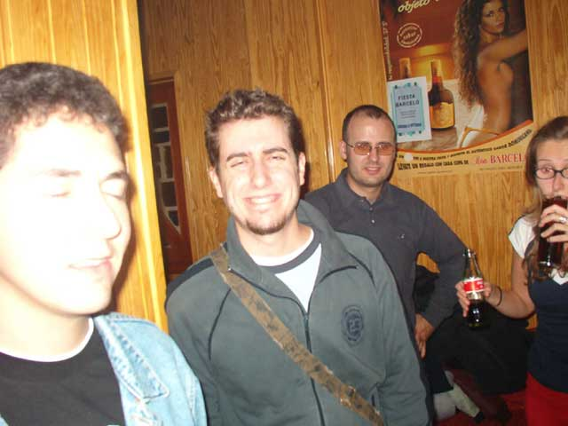 Chavales en el bar