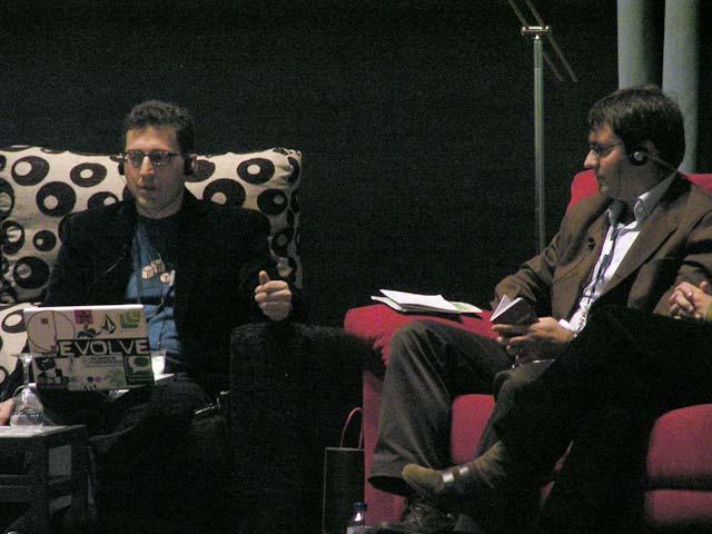 Mesa Redonda:  Espacios colaborativos: la interacción en la Web