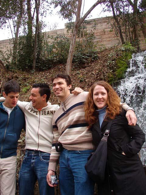 Cerca de la entrada a la Alhambra