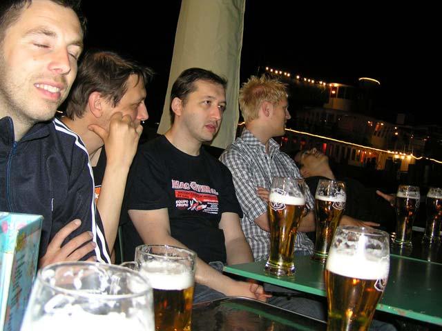 Tomando una cerveza