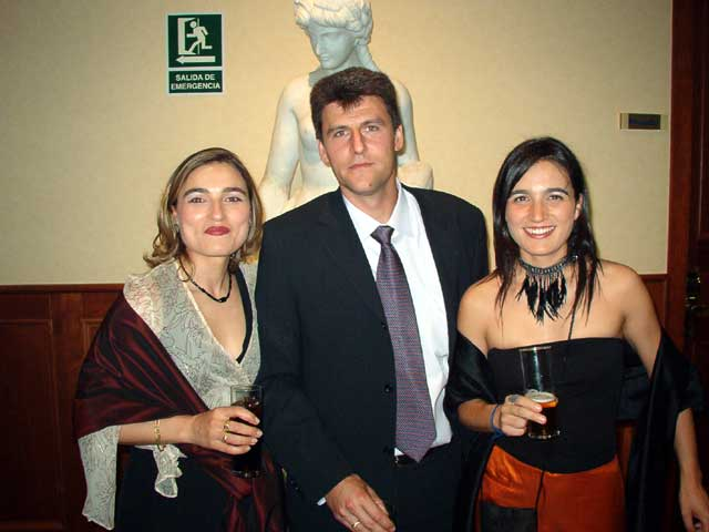 M. Jose, Martín y Mónica