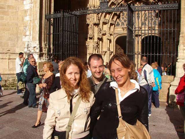 A la salida de la catedral